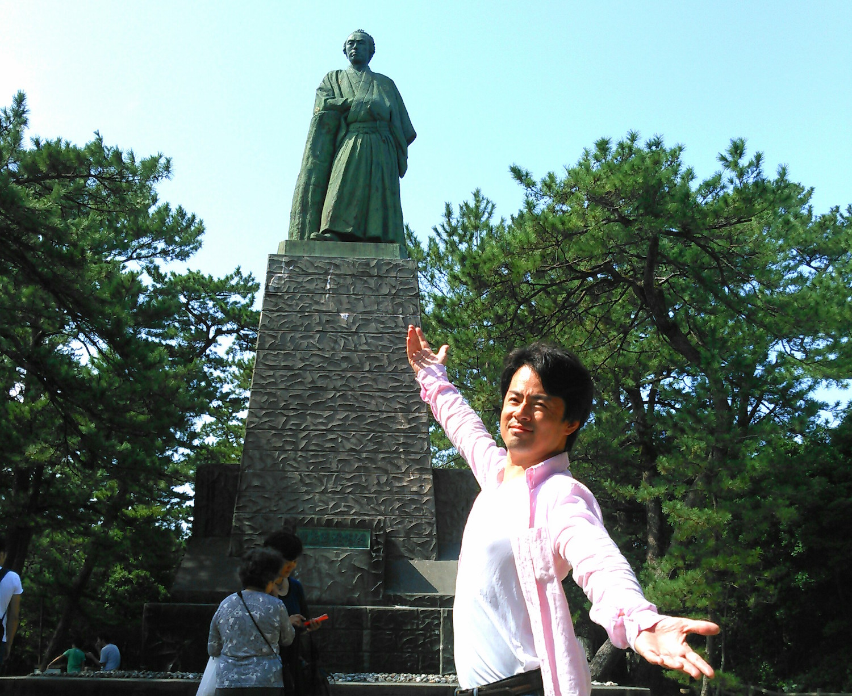 佐藤政樹と坂本龍馬像