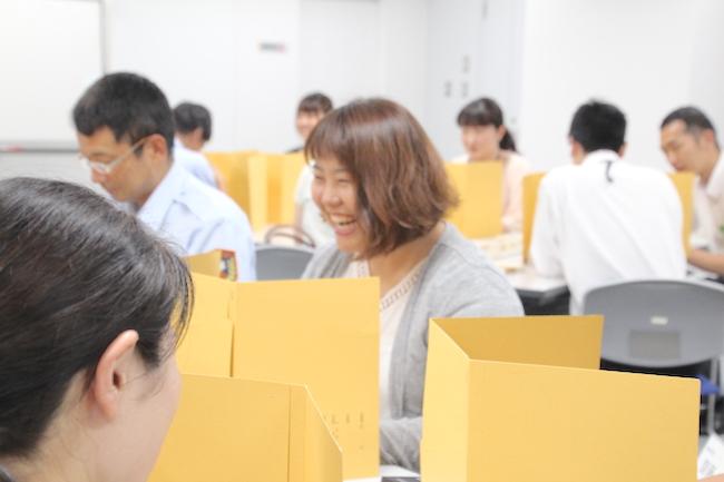 楽しみながら学ぶ受講生